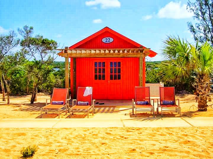 solo-travel-lazy-beach-days