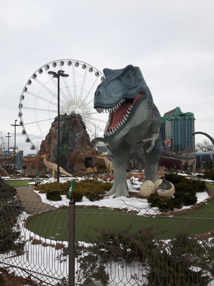 niagara-falls-mini-golf-attraction
