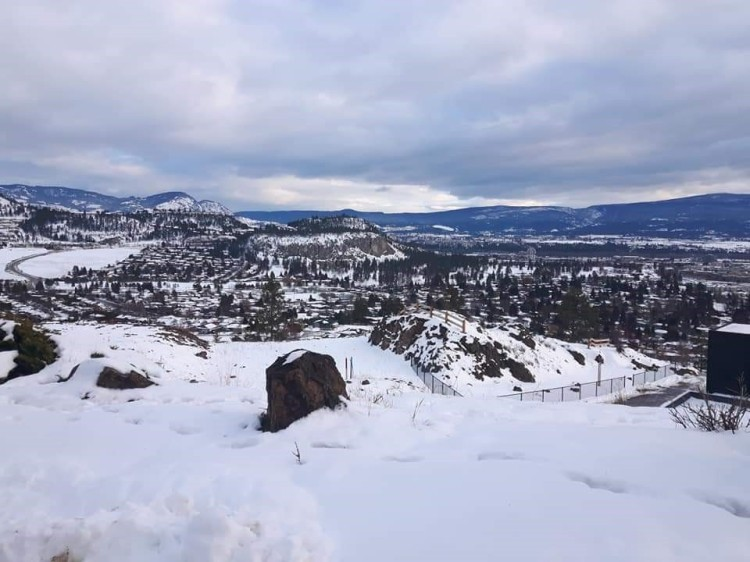 beautiful-kelowna-mountaintop
