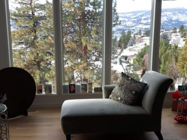 Reading-and-admiring-the-beauty-of-Kelowna-even-in-sadness