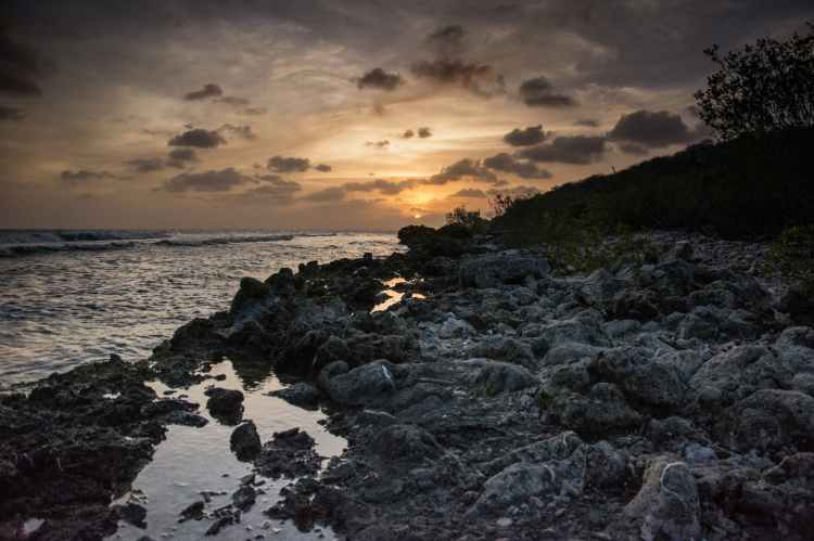 rocky-shoreline-on-road-trip-through-curacao