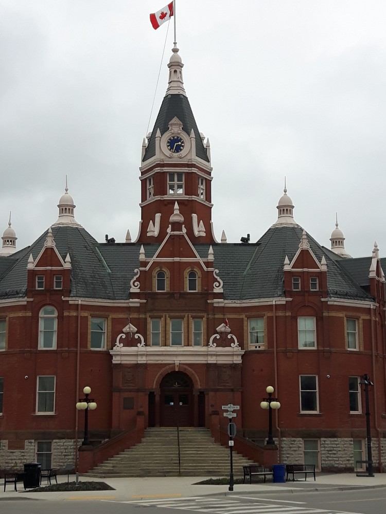 explore-architecture-stratford-ontario-city-hall