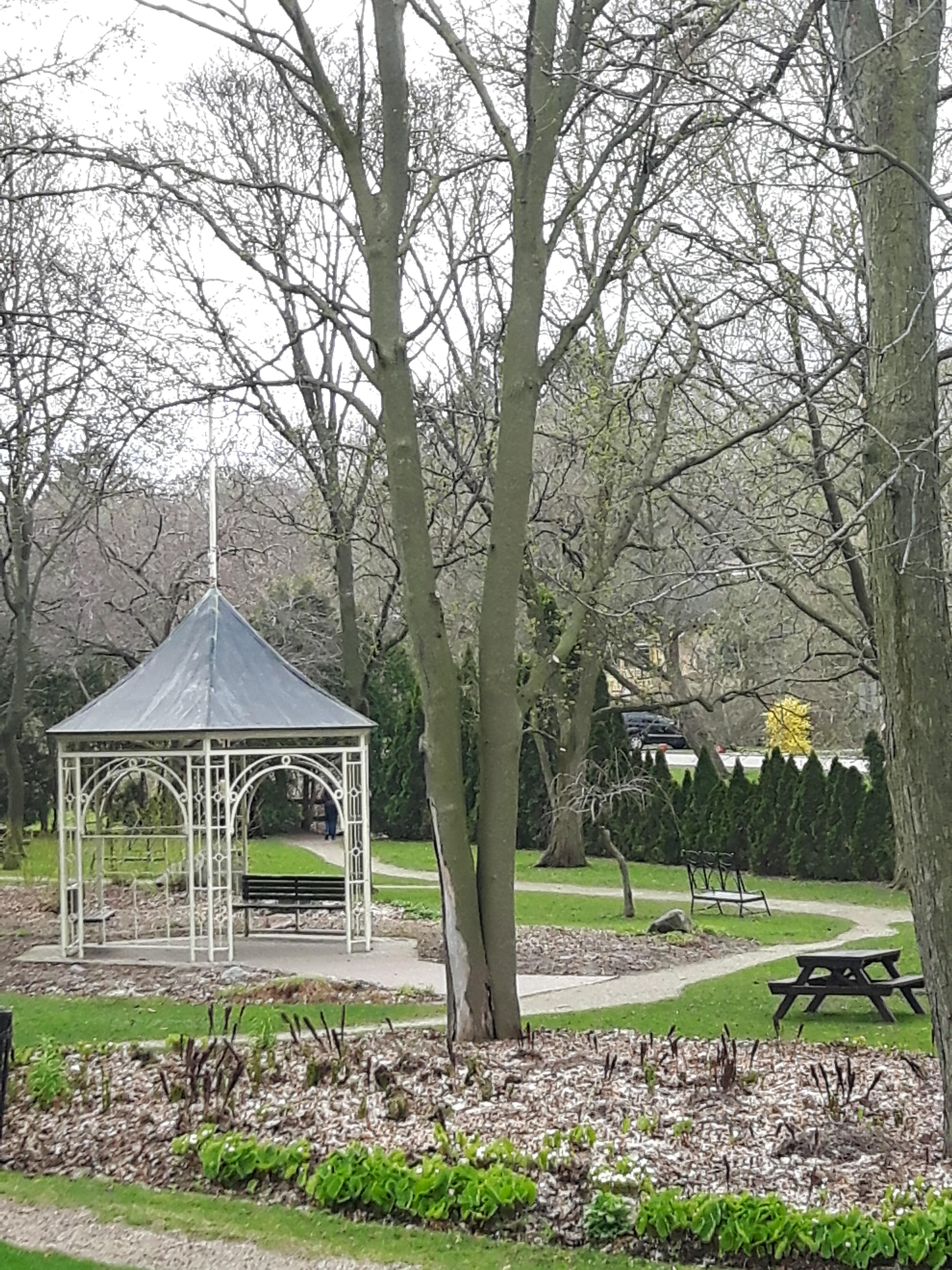 explore-stratford-gardens-shakespeare-gardens-stratford-ontario
