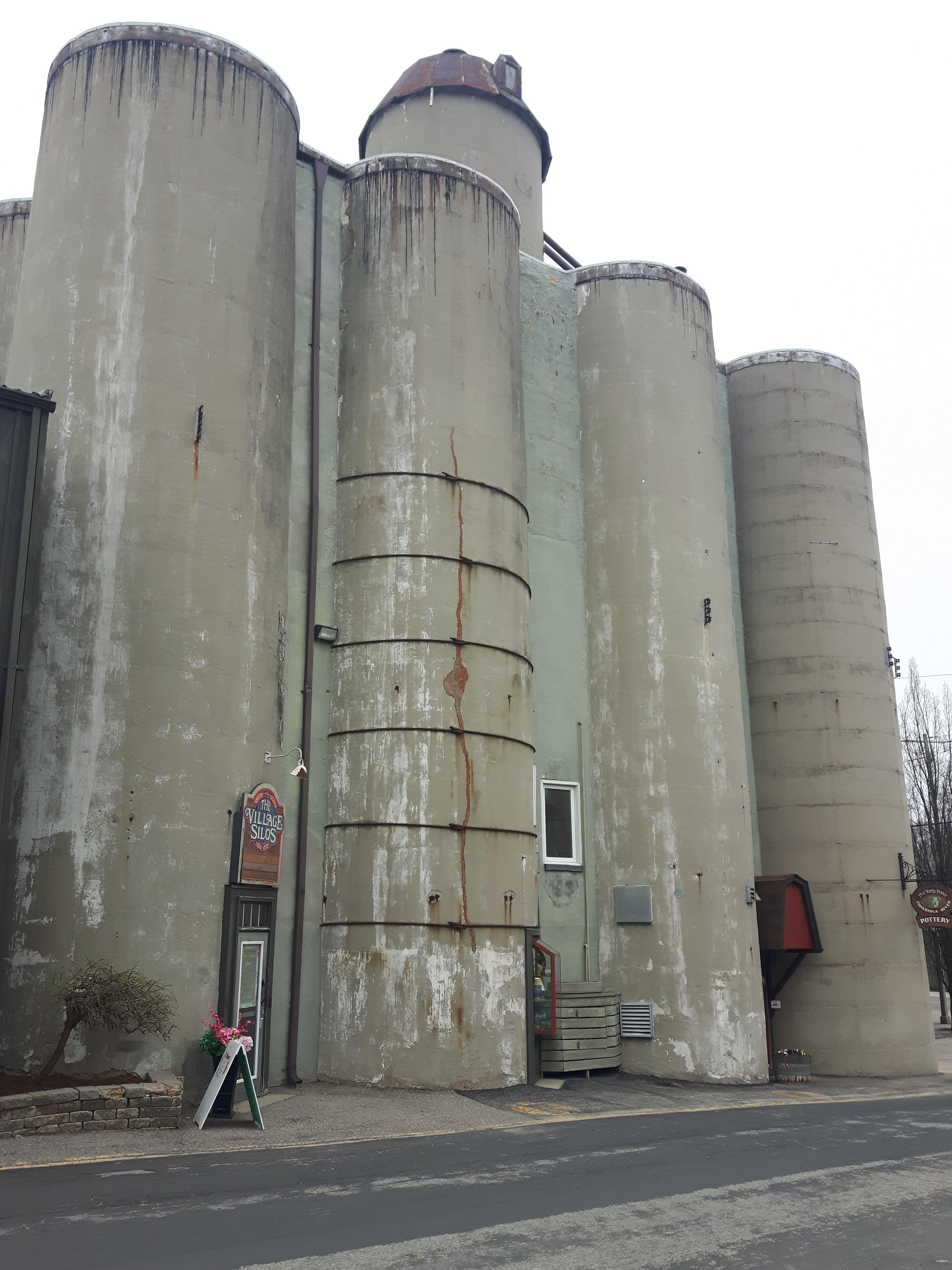 st-jacobs-silos-explore-shopping-in-st-jacobs-ontario