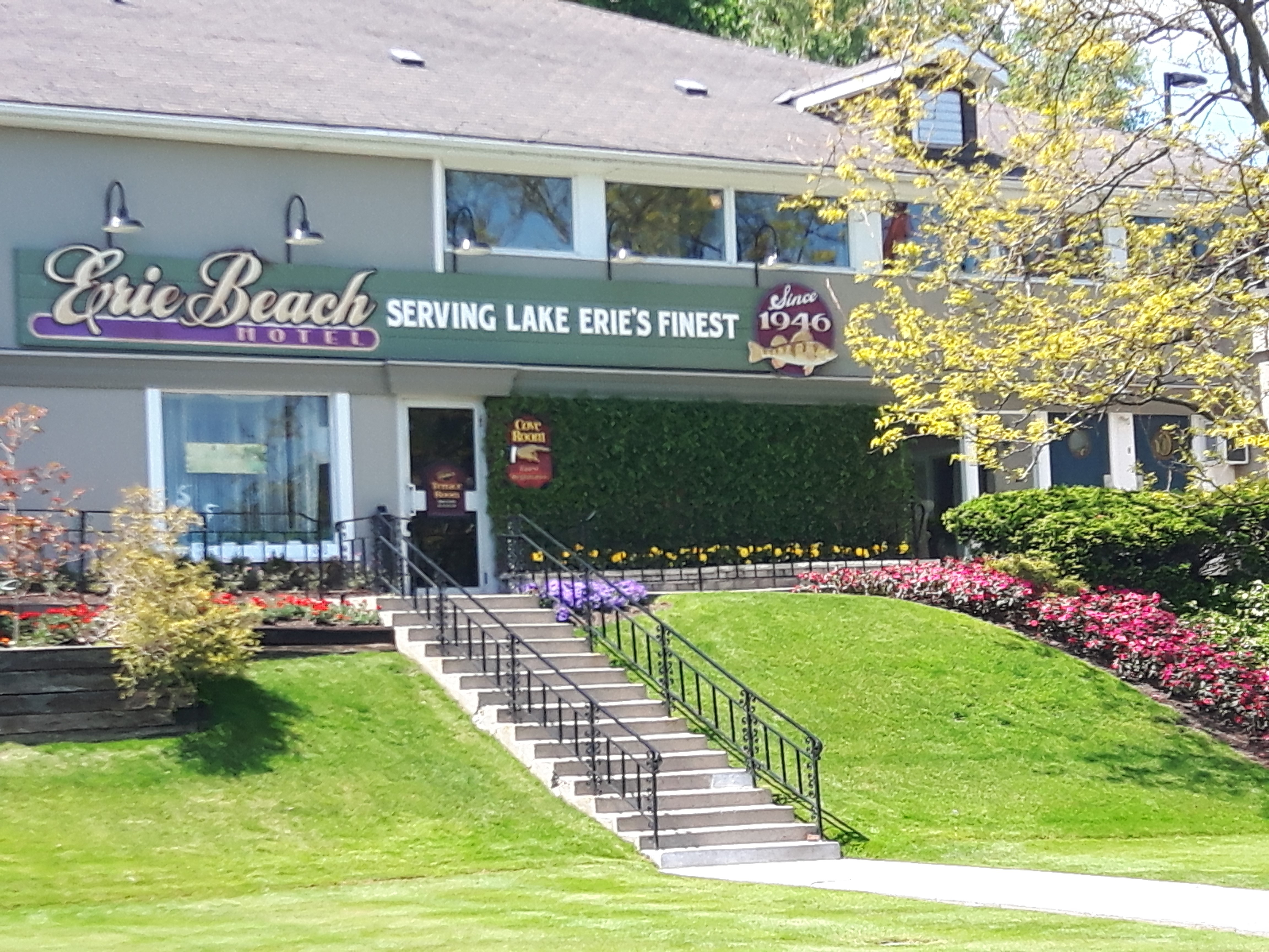 erie-beach-hotel-ontario-beach-town-port-dover-accommodations-and-restaurants
