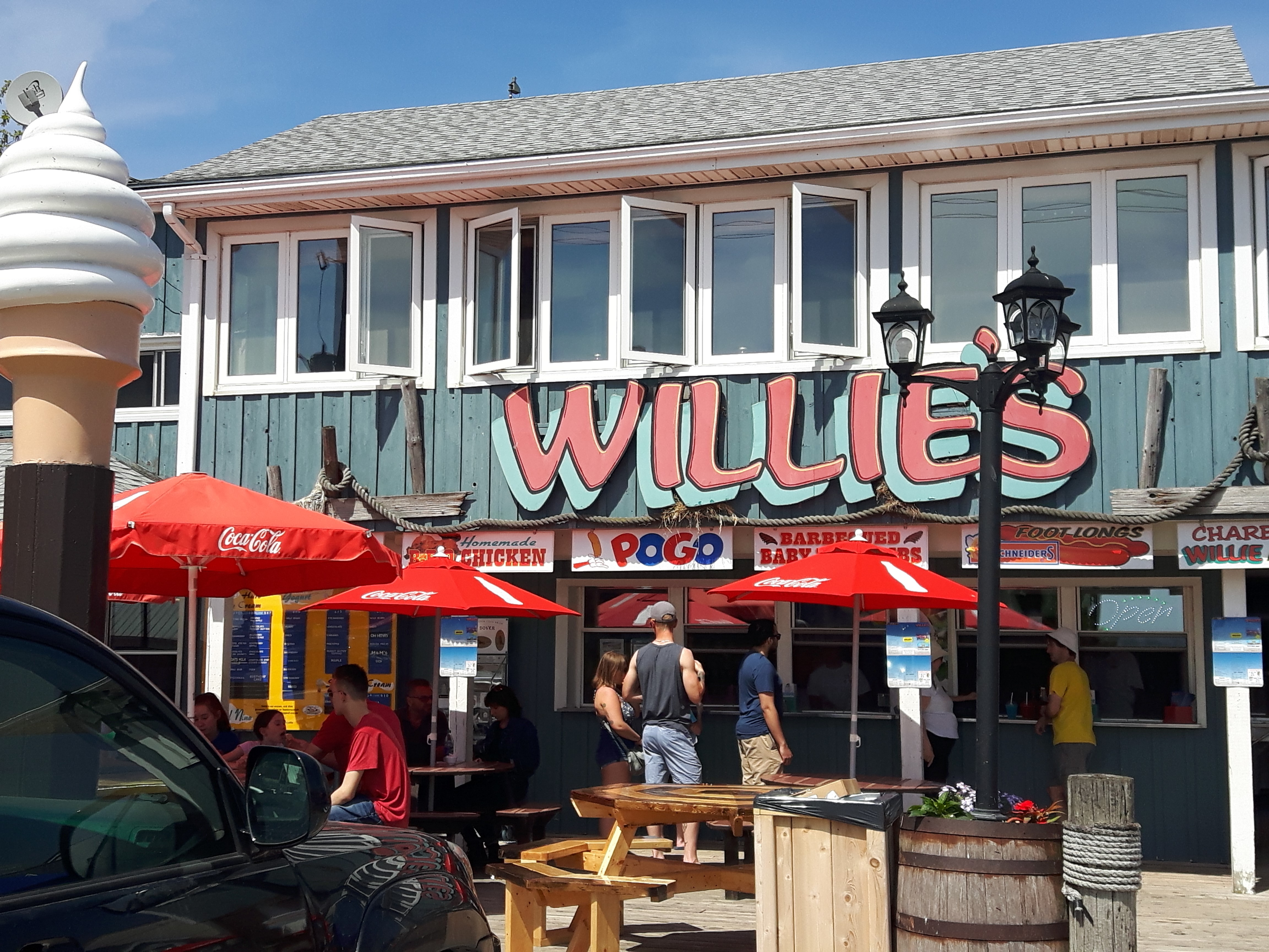 willies-restaurant-places-to-eat-port-dover-ontario
