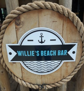 Willie's Beach Bar