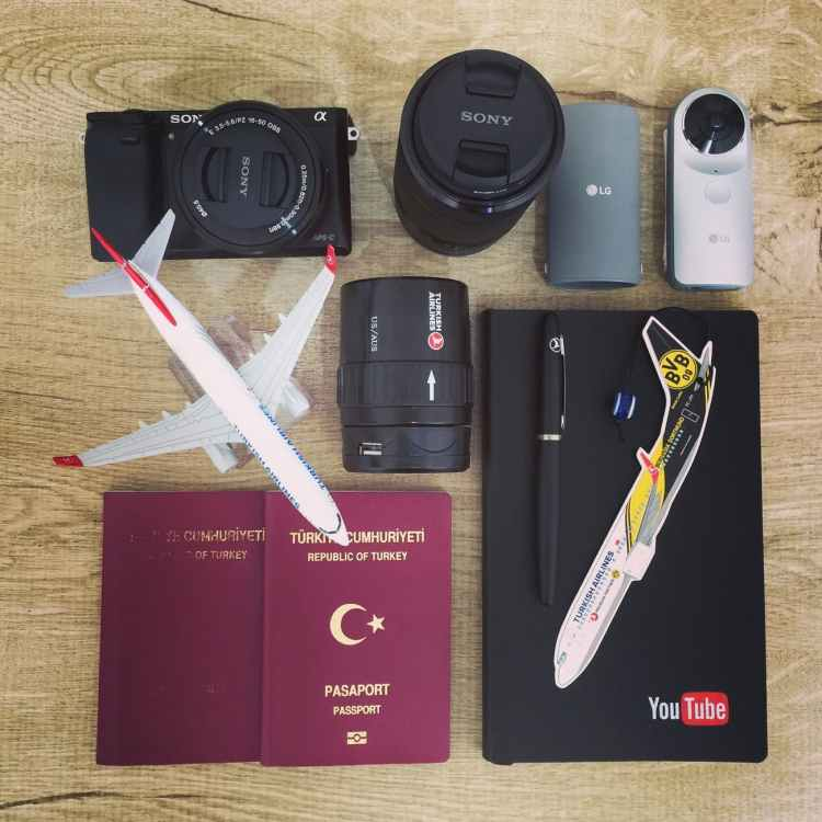 pack-passport-boarding-pass-and-electronics-in-carry-on