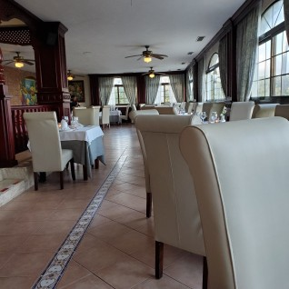 Italian full room