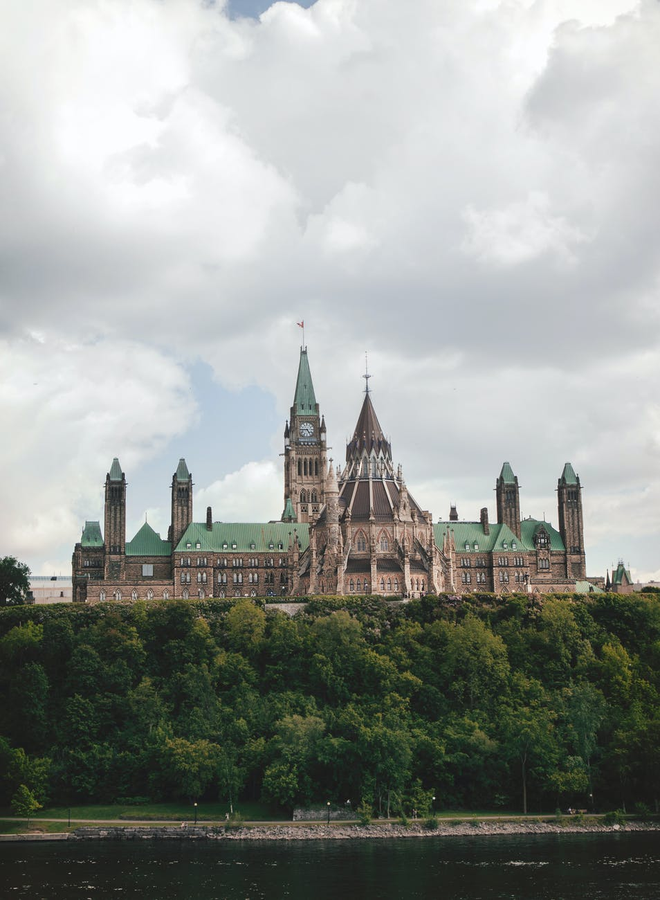 tour-canadas-parliament-buildings