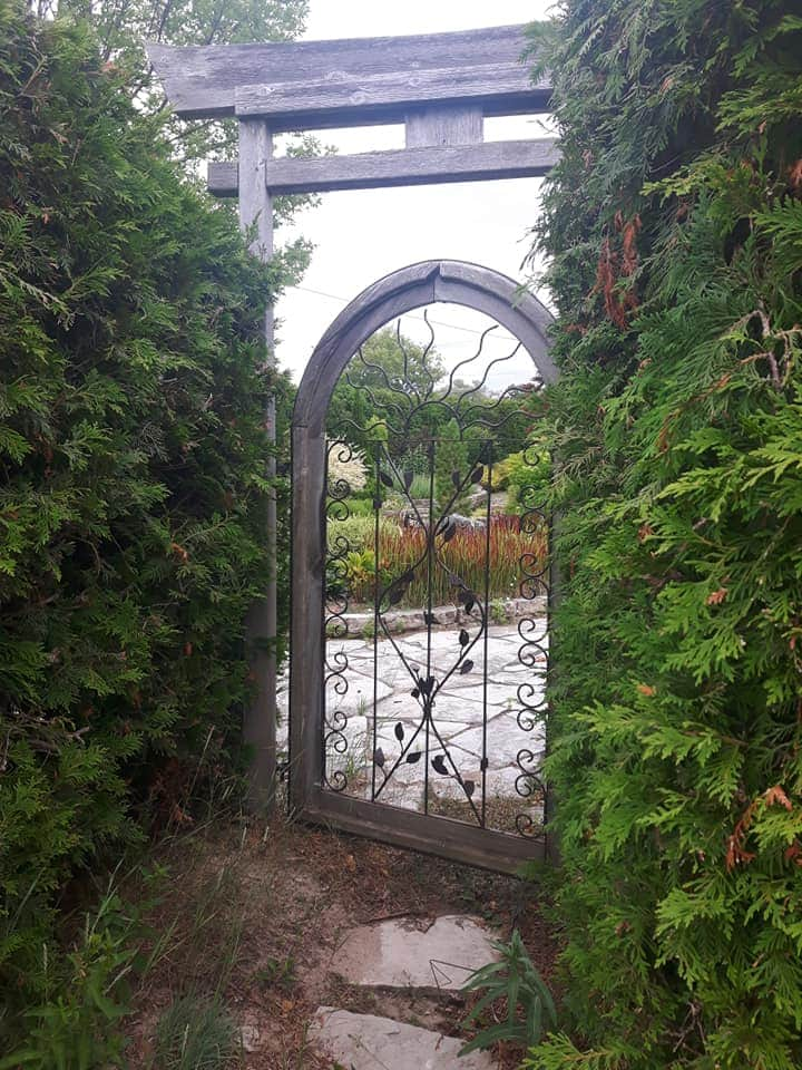 secret-garden-lovers-lane-kincardine-ontario