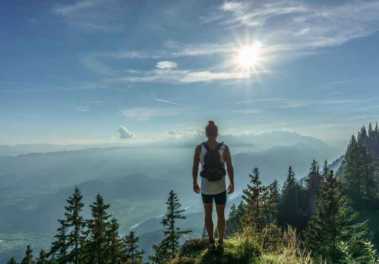 what-to-pack-for-a-day-hike